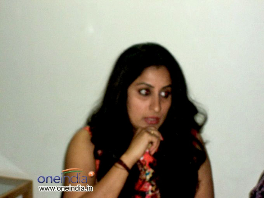 Prem Kumar and Roopa Iyer Promotes Chandra at Oneindia.in Photos