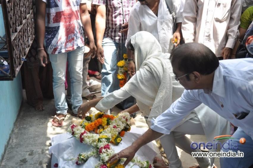 Priyanka Chopra at her Assistant Jiban Patra's funeral Photos