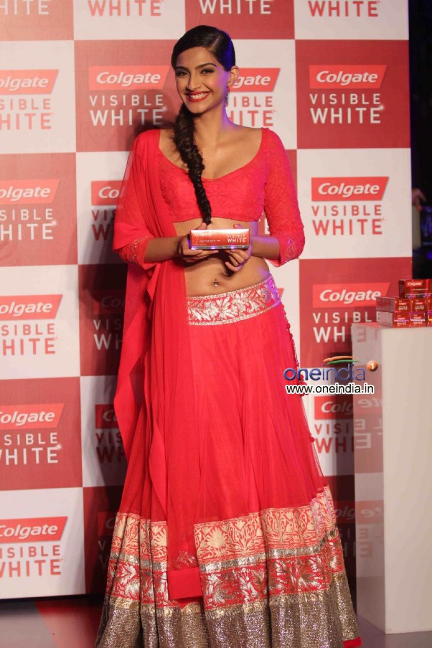 Sonam Kapoor Launch Colgate Visible White toothpaste Photos