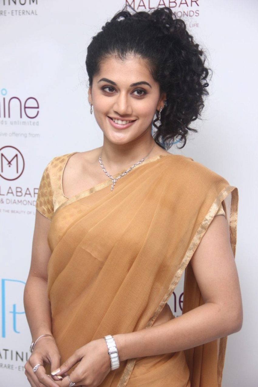 Tapsee At Platinum Jewellery Launch Photos