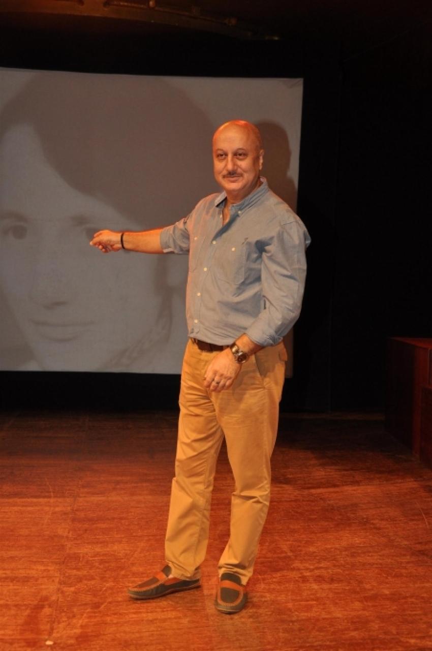300th Show of Anupam Kher's Play Kucch Bhi Ho Sakta Hai Photos