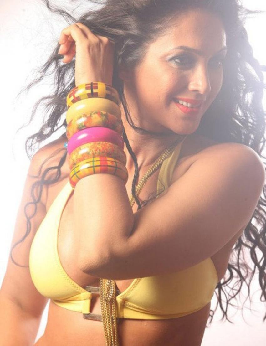 Kalpana Pandit Photos