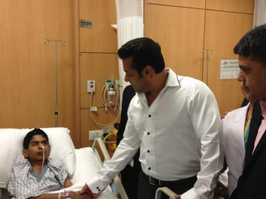 Salman Khan at the Fortis Healthcare Center Photos