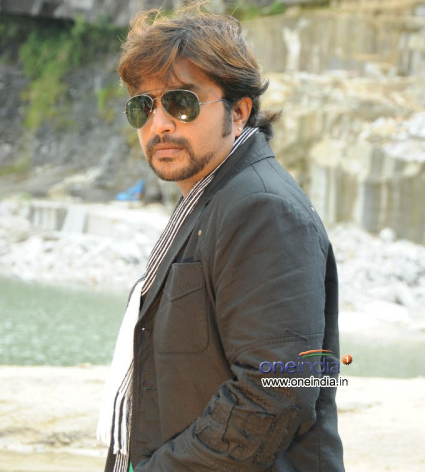 Naveen Krishna Photos