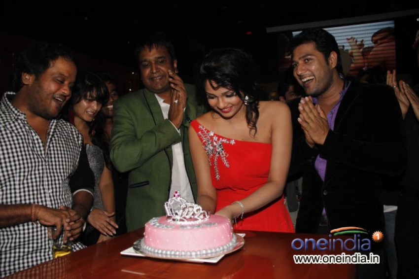 Miss India Ipsita Pati Birthday Bash Photos