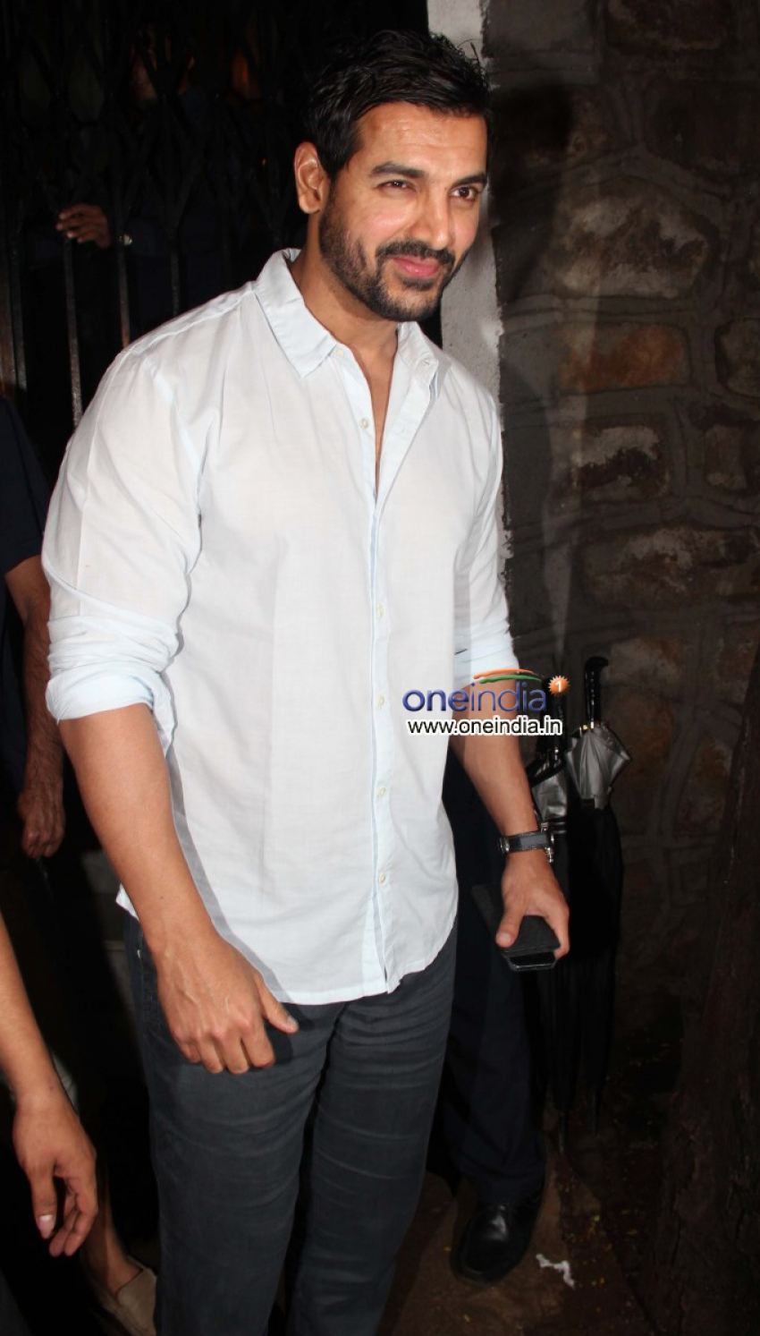 Celebs Snapped at Dewan's New Restaurant Photos