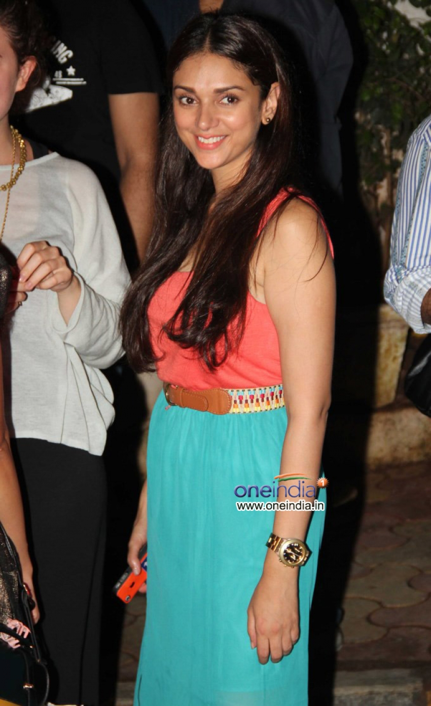 Aditi Rao and Arunoday Singh Snapped at Olive Bar Photos