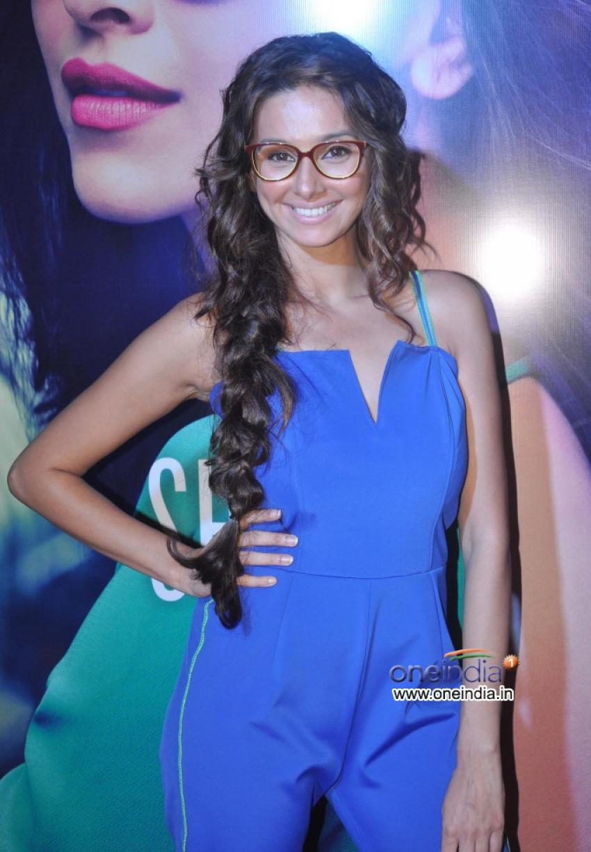Deepika Padukone unveils Vogue Eyewear collection Photos