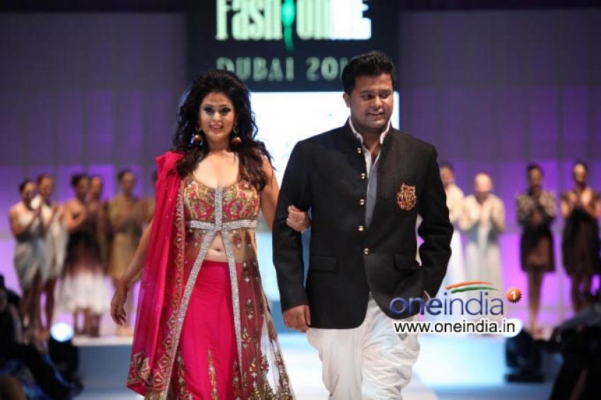 Fashion Me 2013 Finale Show at Dubai Photos