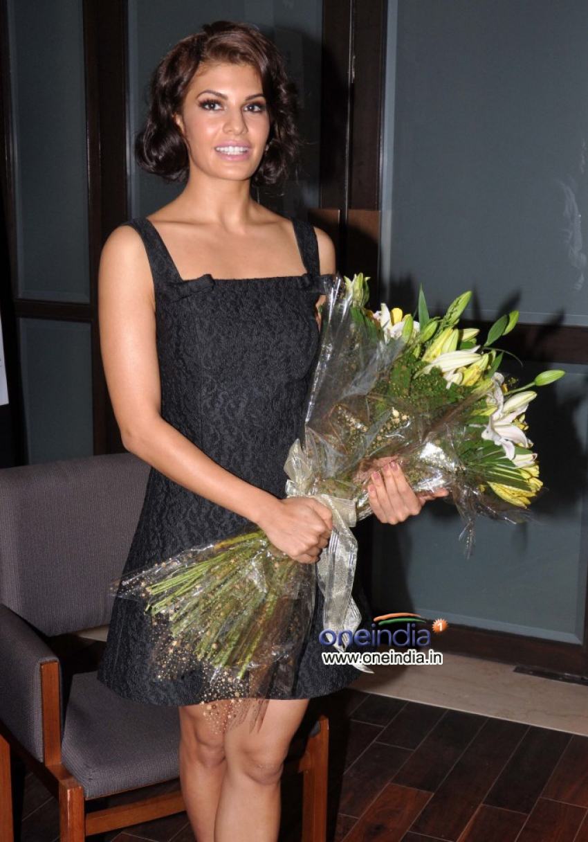 Jacqueline Fernandez launches Dr Dinyar's book on perfect skin Photos