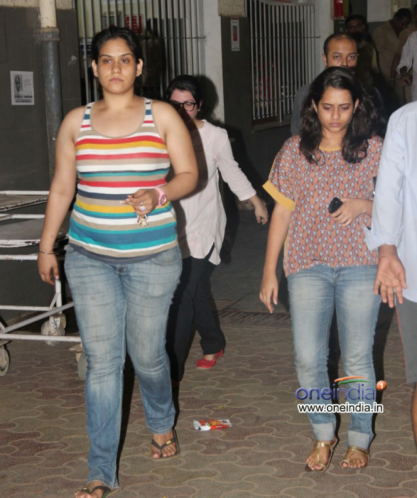 Jiah Khan Commits Suicide At Her Residence Photos