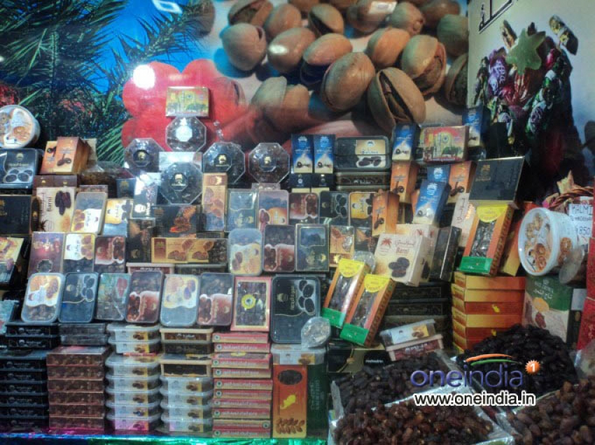 Russell Market - Dry Fruits Shops Photos