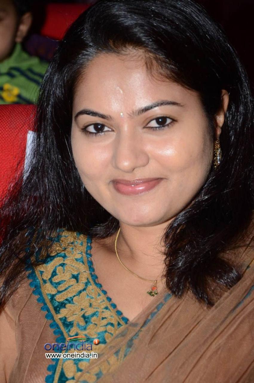 Suhasini (Telugu Actress) Photos