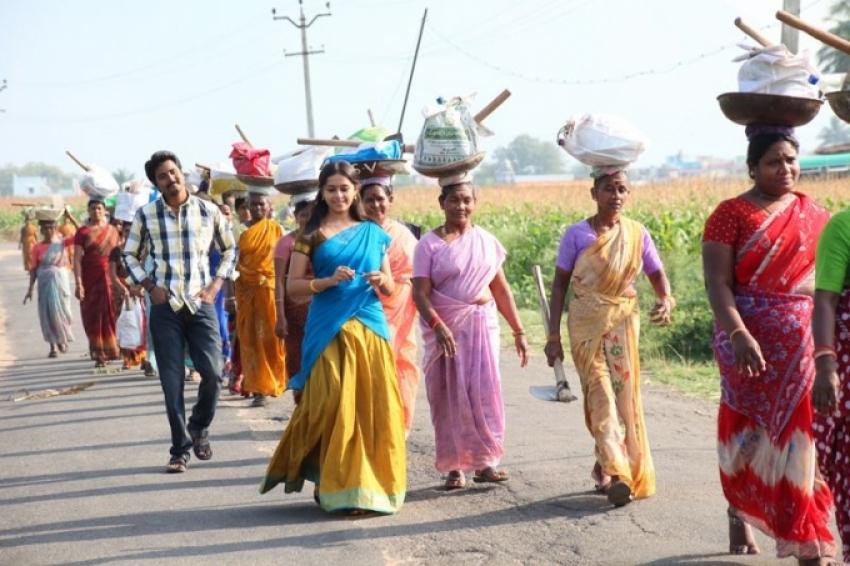 Varutha Padatha Valibar Sangam Photos Hd Images Pictures Stills