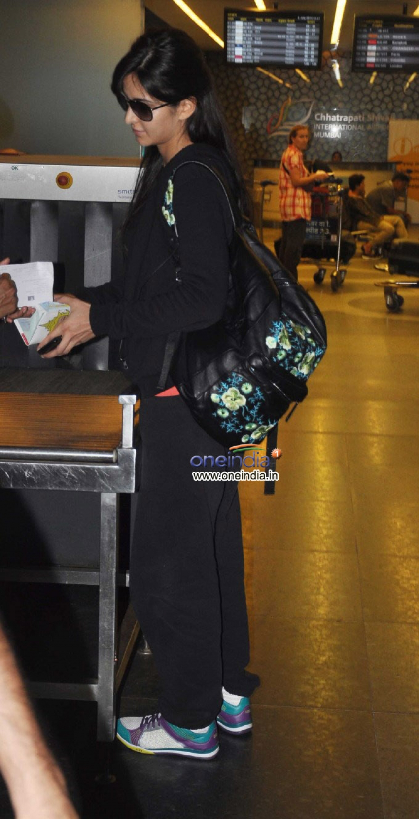 Celebs Leaves For IIFA 2013 Photos