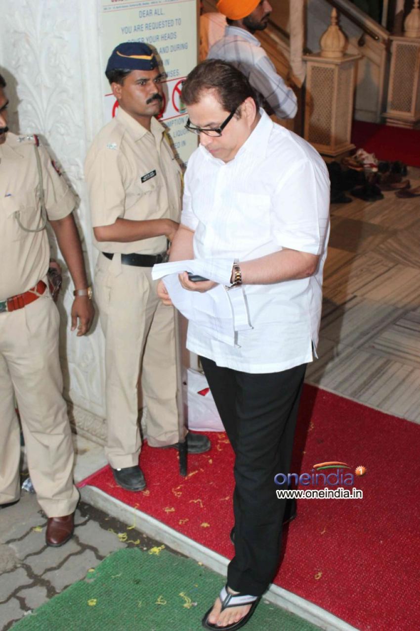 Pran's prayer meet Photos