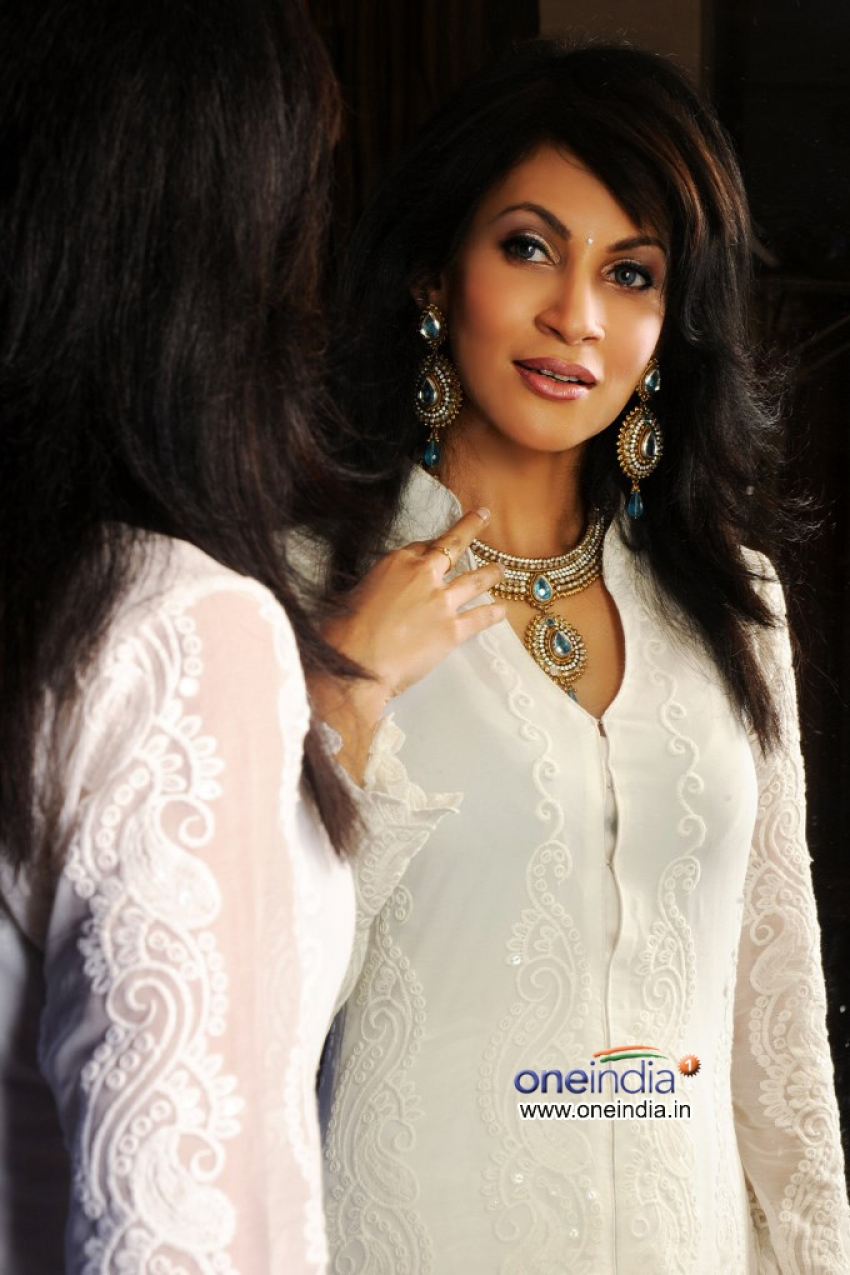 Chandi Perera shoots for a fashion designer Simi Mukherji Photos