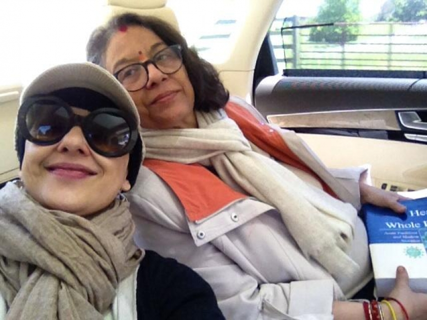 Manisha Koirala After Surgery at London Photos
