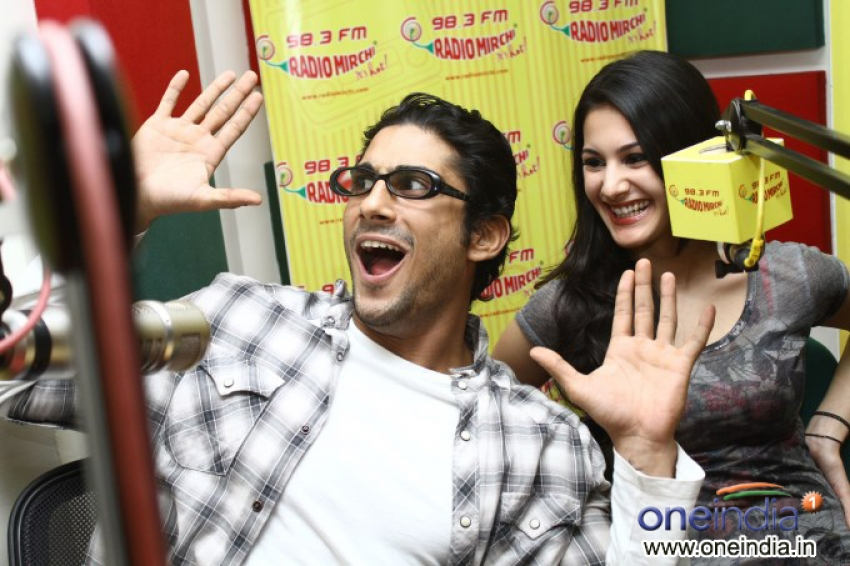 Prateik Babbar and Amyra Dastur at Radio Mirchi Mumbai Studio Photos