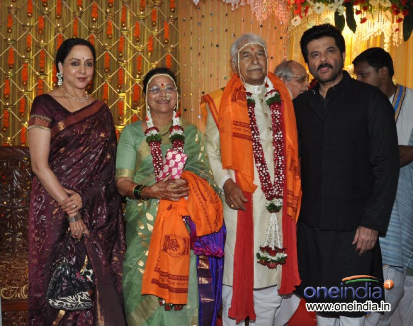 Ramesh and Seema Deo's 50th Marriage Anniversary Celebration Photos