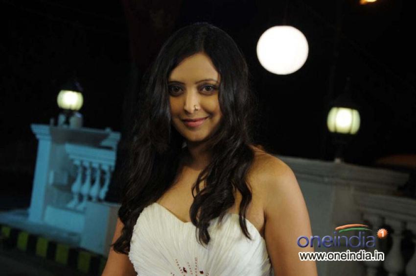 Rekha Vedavyas Photos