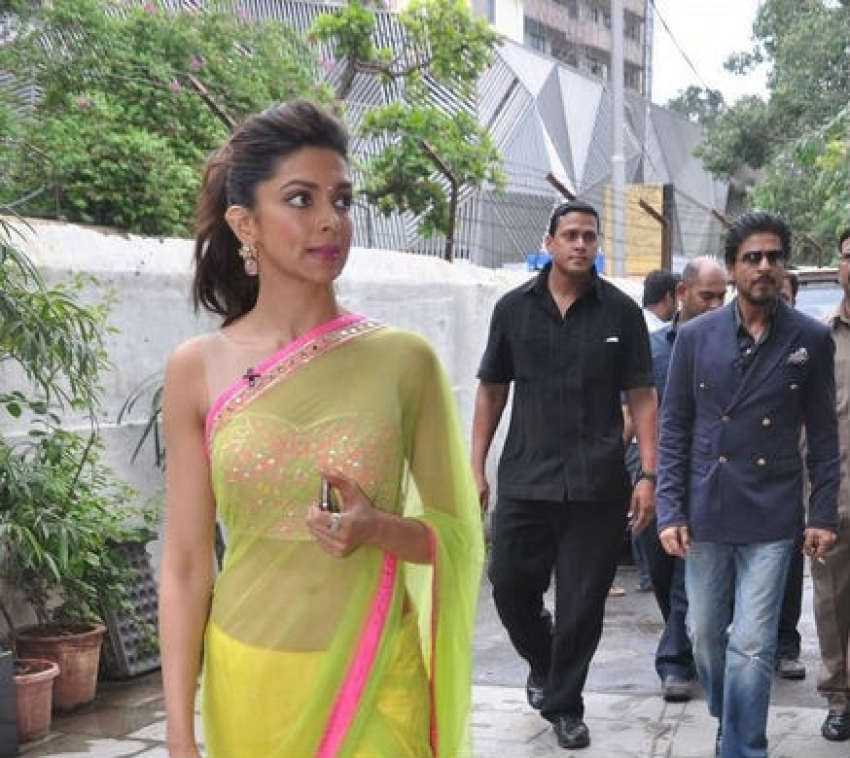 Shahrukh Khan and Deepika Padukone promotes Chennai Express Photos