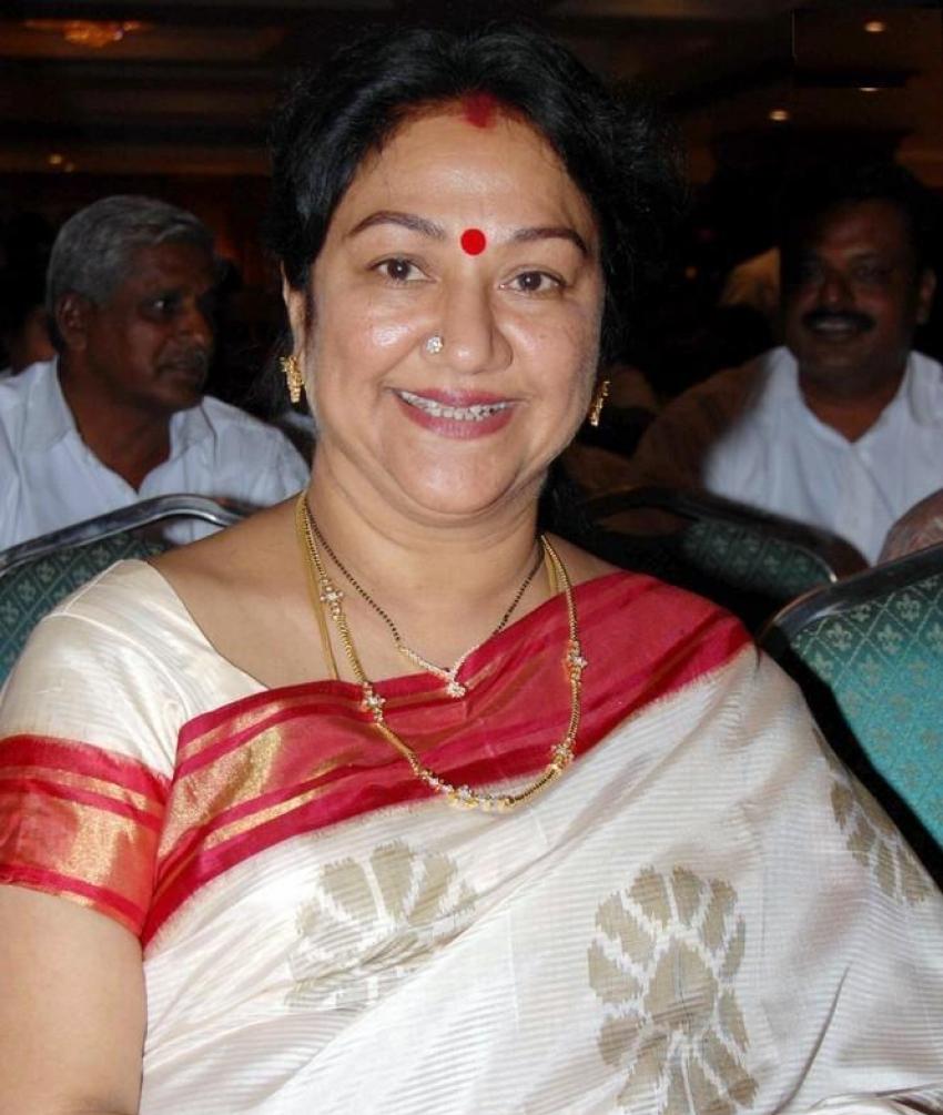 Manjula Vijayakumar rare & unseen pics Photos