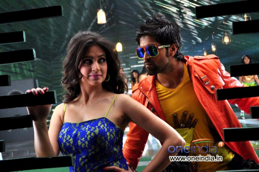 Googly Photos Hd Images Pictures Stills First Look Posters Of
