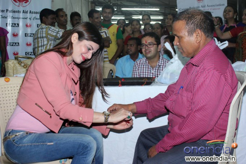 Kainaat Arora celebrates Raksha Bandhan at cancer care center Photos