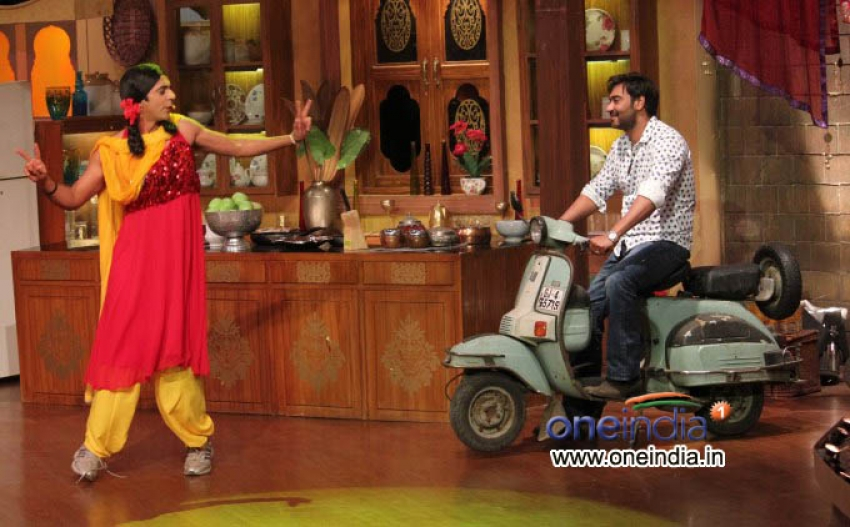 Satyagraha on the sets of TV show Comedy Nights with Kapil Photos