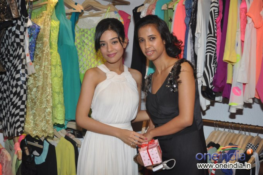 Amrita Rao at Lasha store launch Photos