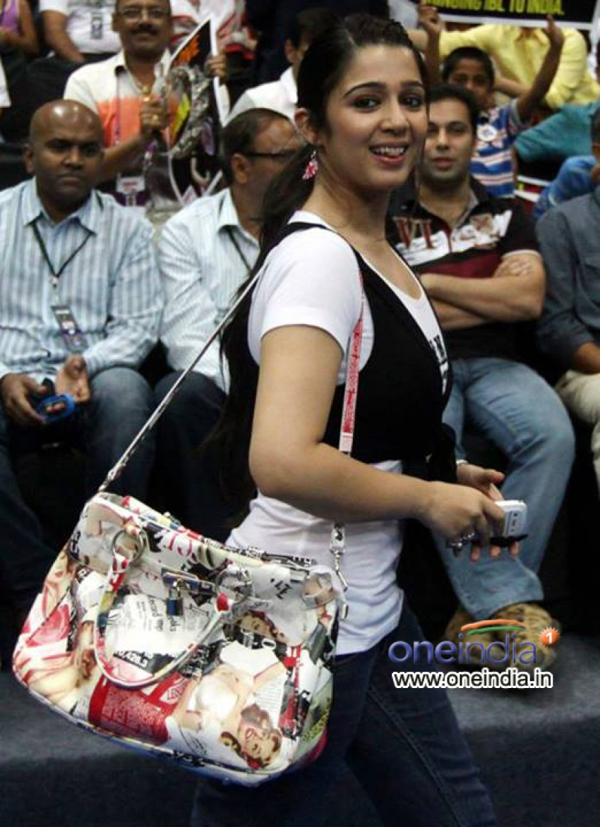Celebs at Indian Badminton League 2013 Photos
