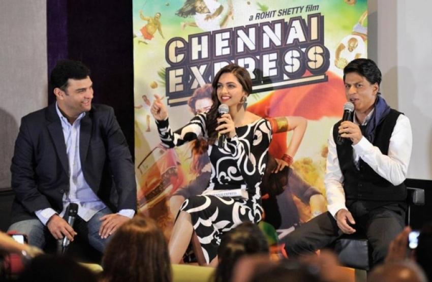 Chennai Express film promotion at London Photos