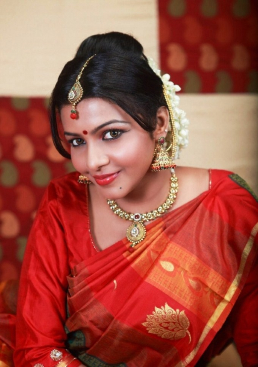 Saranya Photos