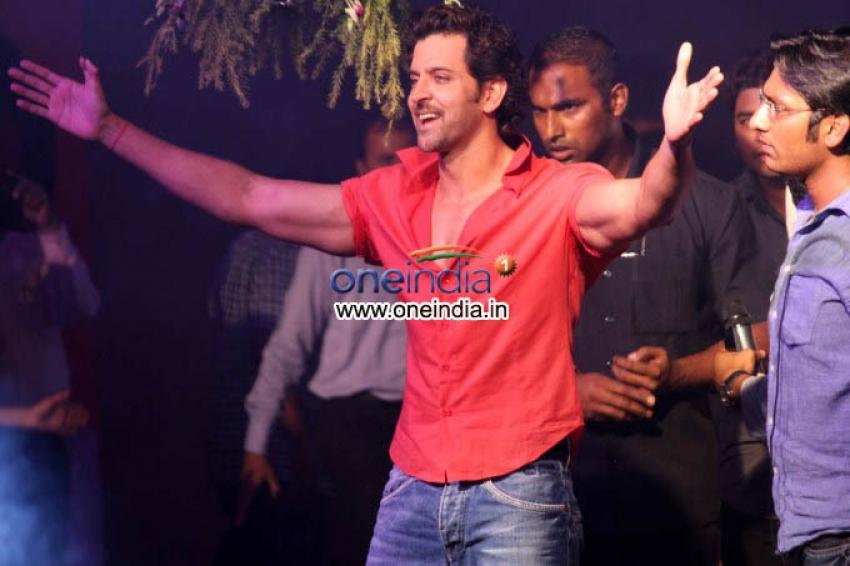 Hrithik Roshan Celebrates Dahi Handi Photos
