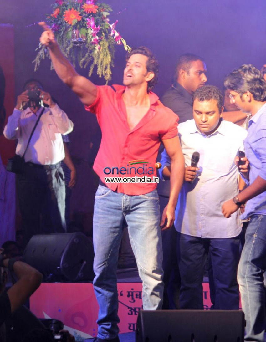 Hrithik Roshan Celebrates Dahi Handi Photos