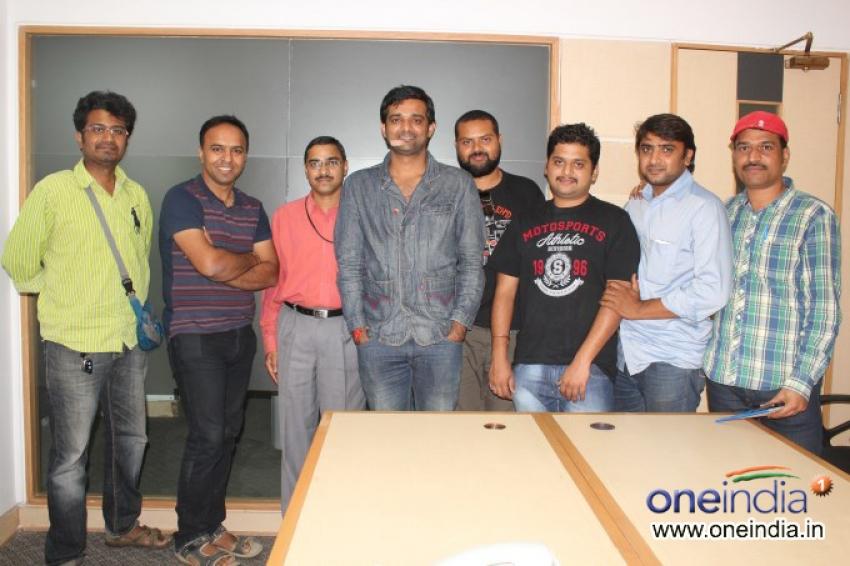 Nan Life Alli film promotion at Oneindia Photos