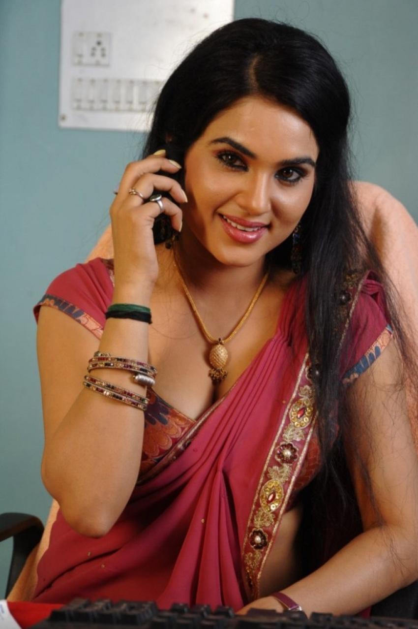Kavya Singh Photos