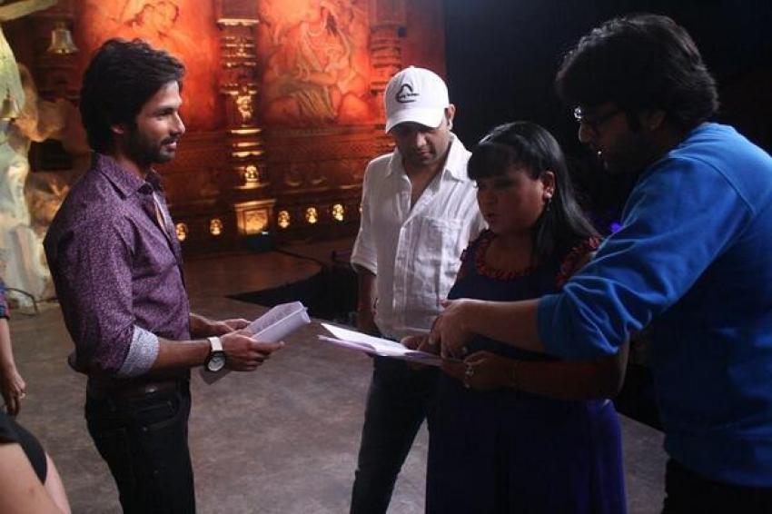Parineeti Chopra and Shahid Kapoor on the sets of Comedy Circus Photos