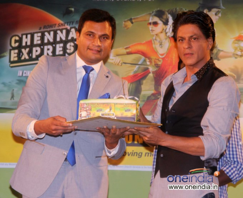 Shahrukh Khan promotes Chennai Express in association with Western Union Photos