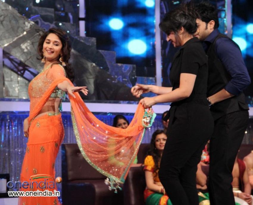 Sushant Singh and Parineeti Chopra on Jhalak Dikhhla Jaa 6 sets Photos
