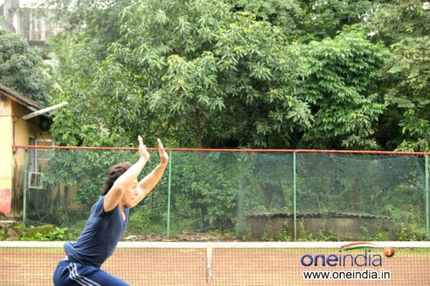 Tiger Shroff performs daredevil stunts Photos