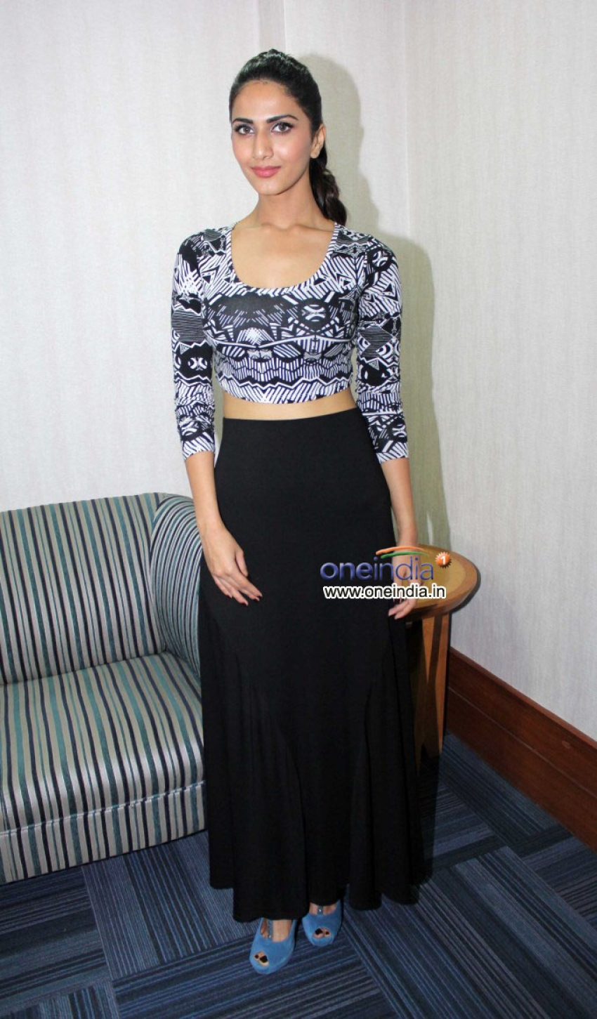 Shuddh Desi Romance film promotion Photos