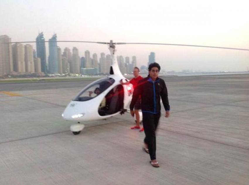 Shah Rukh Khan & Abhishek Bachchan at Skydive Dubai Photos