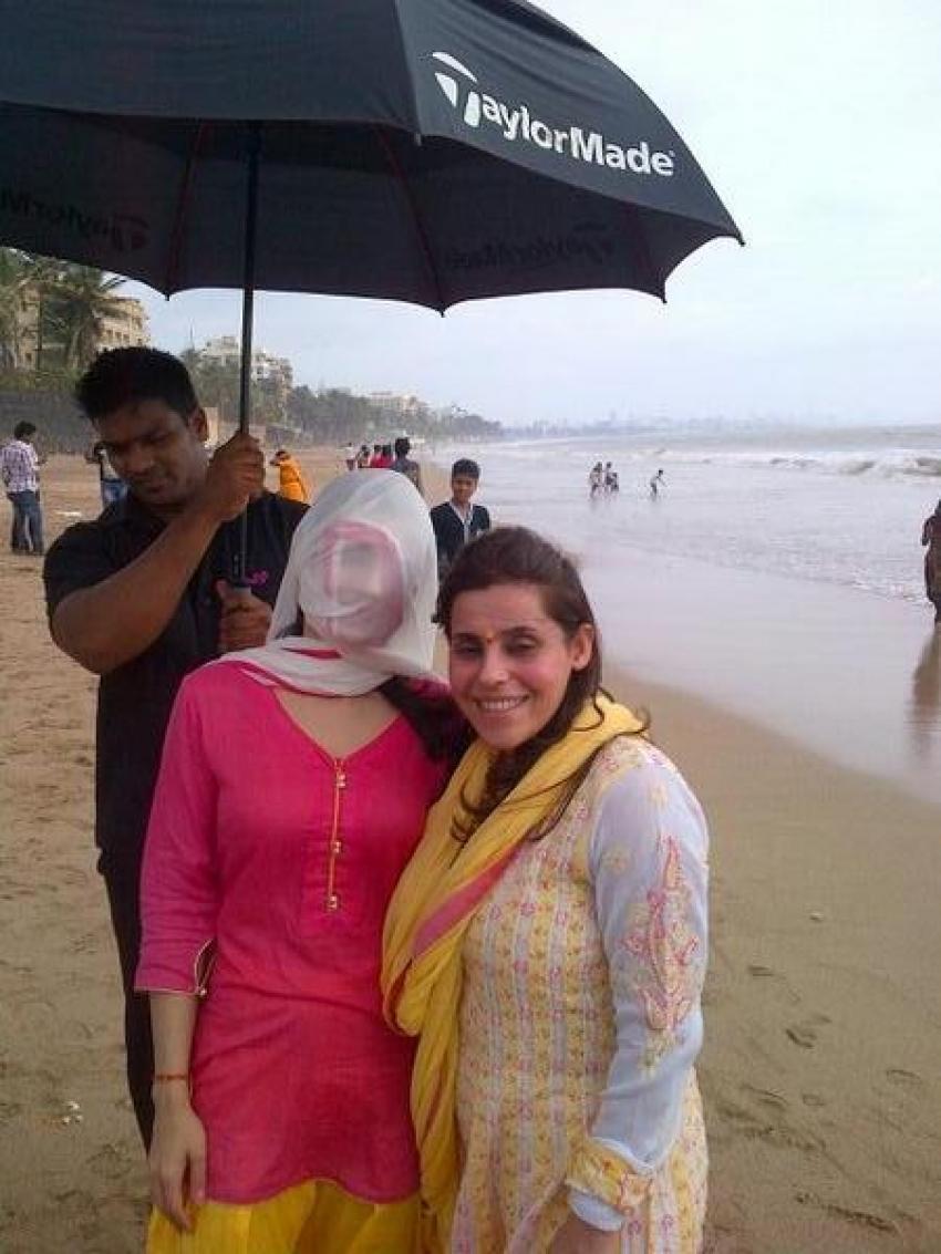 Ameesha Patel's Ganesh Chaturthi celebrations 2013 Photos