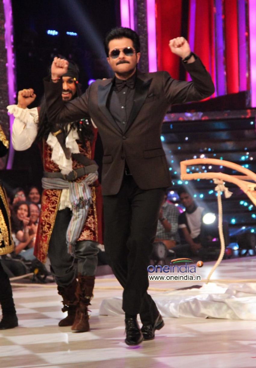 24 India tv show promotion on Jhalak Dikhhla Jaa 6 sets Photos
