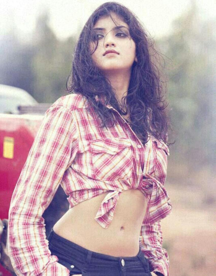 Sruthi (Actress) Photos