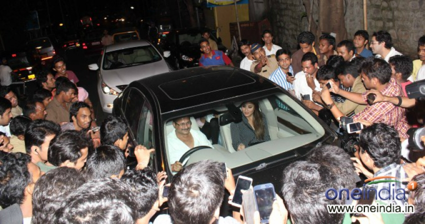 Saif Ali Khan and Kareena Kapoor snapped at Nido Photos