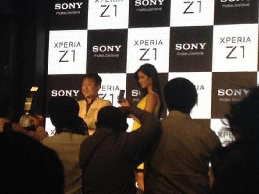 Katrina Kaif unveils Sony Xperia Z1 Photos