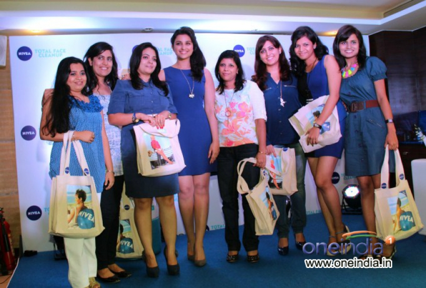 Parineeti Chopra meets winners of Nivea Total Face Clean Up digital contest Photos